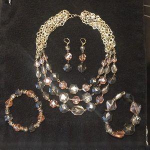 Cache Gorgeous glass crystal jewelry set